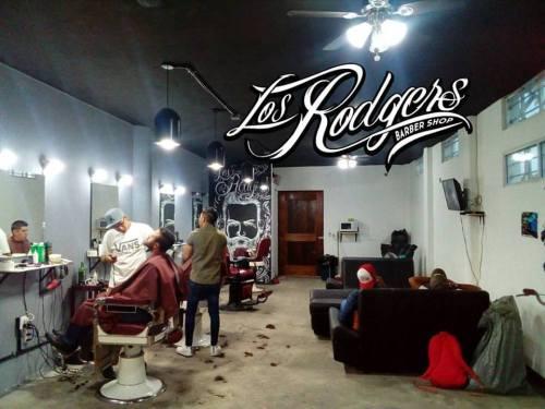 pueblando_ando_cinco_mejores_barberia_rogers_barber_shop_2